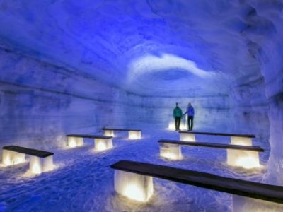 Eishöhle im Gletscher Langjökull